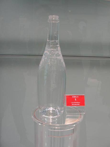 """""""Bubbles"""", proyecto de Valeria Moisseva, exalumna de IED Design Madrid. Finalista en la categoría Selección de vino."""