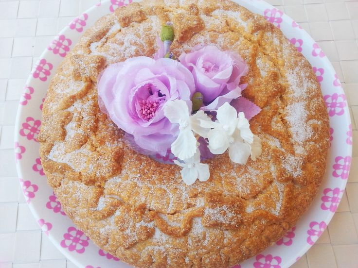 Tortano dolce #ricetta #napoletana http://www.lovecooking.it/dolci/tortano-dolce/