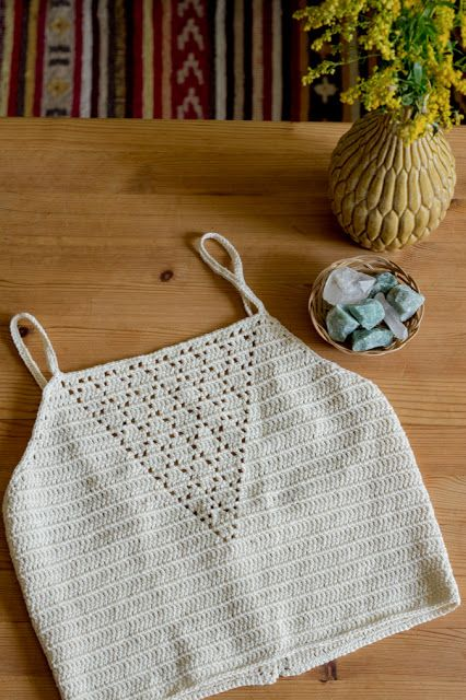 Anleitung für ein gehäkeltes Crop Top | DIY, handmade, selfmade, do it yourself, crochet, häkeln, Oberteil, Kleidung, Crop Top, Sommer, Instruction, Pattern, How-To
