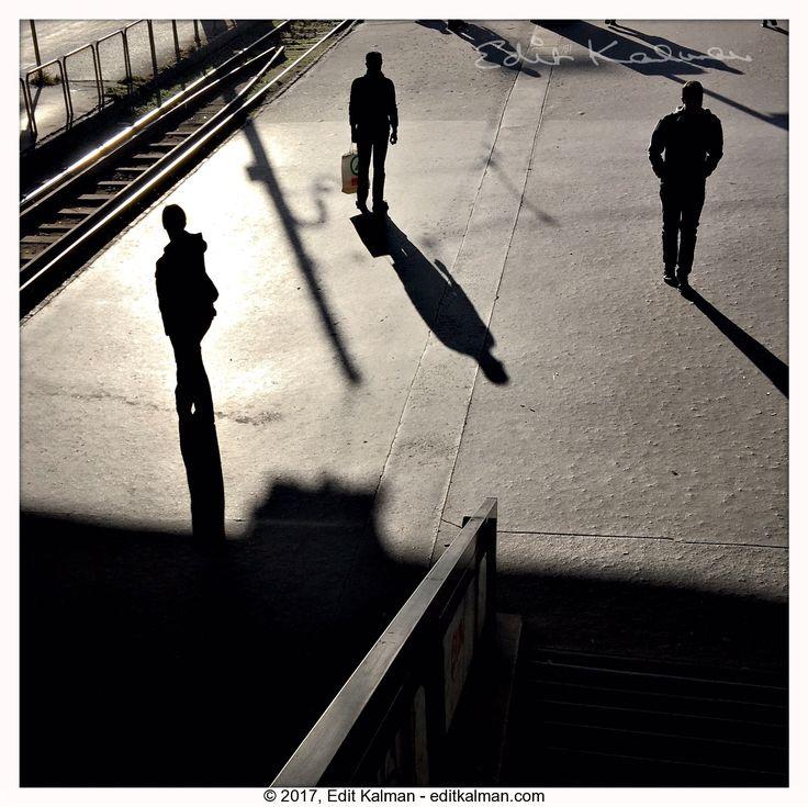 Indian summer #Boraros, #Budapest, #Light, #Momentsinbudapest, #Morning, #People, #Shadows - https://goo.gl/uHzBU1