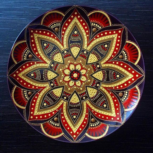 Декоративная тарелочка 21 см. Dot Art Decorative Plate. #ярисую  #handmade #art #painting #homedecor #kievblog #ukraine #forsale #magicofdots