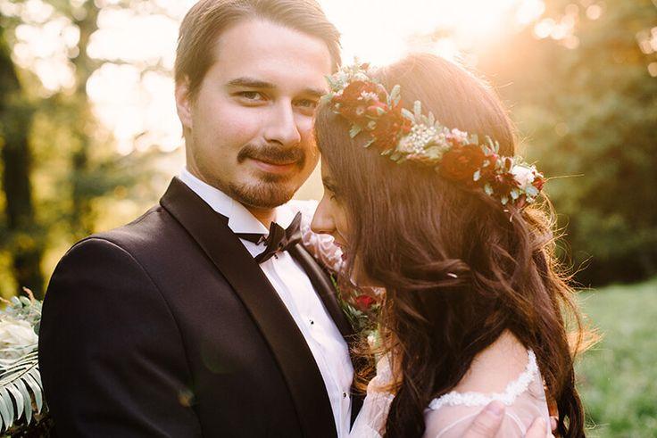 INNA Studio_floral crowns / kwiaty na sesje / kwiaty w kolorze marsala / wianek na sesje /  fot. Dreameye Studio