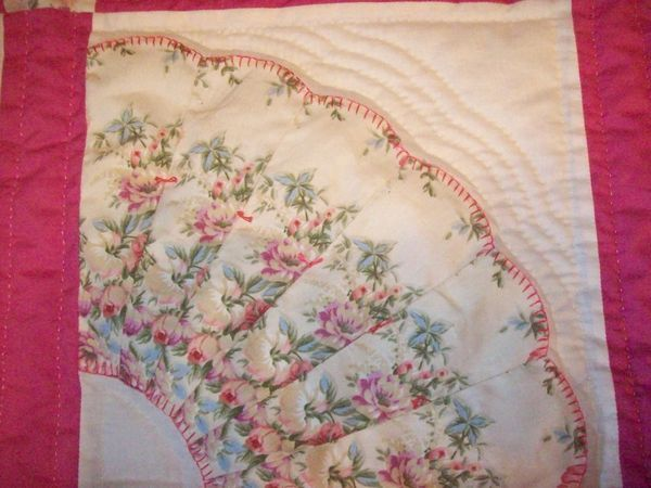 Quilt Pattern For Grandmother S Fan : 44 best images about Quilt - Dresden Plate & Fans EPP on Pinterest Quilt, Cat quilt and Sew ...
