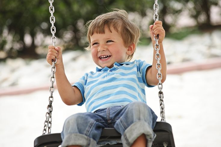 Az mindenki számára világosan látszik, hogy a gyerekek nagyon élvezik a hintázást, ám a legtöbb szülő nem is gondolná, hogy ennek a mozgásformának sokkal több előnye is van annál, mint, hogy egy ideig egyedül elvannak a gyerekek, és a