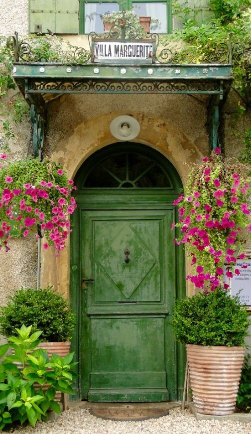 #Doors from around the world ideas for your renovation project - Dordogne, France