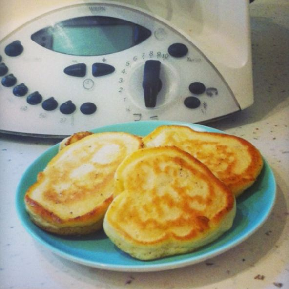 Easy Peezy Pikelets made in Thermomix. Low in sugar and now my 9 year old cooks them. Happy days! Pin now, cook now. Also on my recipe app. Finally an app made for you to store all of your recipe collection. www.hipcook.com.au