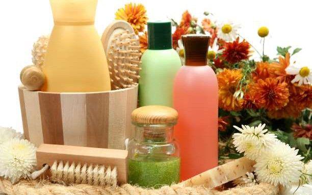 Πώς να φτιάξετε μόνοι σας σαμπουάν με φυσικά υλικά
