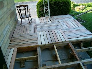 Pallet Wood Front Porch  - they pallets they used were some really good wood pallets,  seems like most pallets I've seen were low-grade wood.