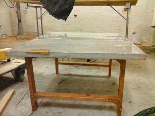 Beton sofabord med epoxy