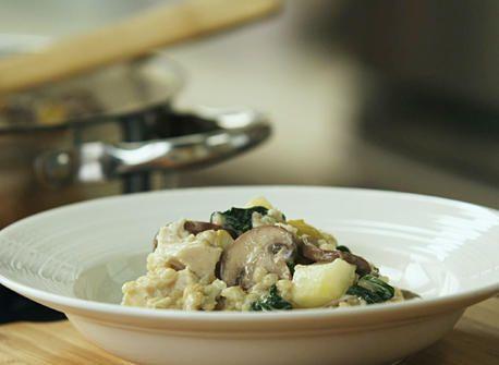 « Risotto » d'orge au poulet et aux champignons agrémenté de poires et d'Asiago  recette | Consommezassez.ca