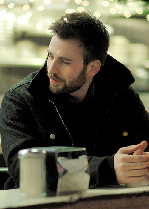 Chris Evans and his beard are important to me. I post Captain America & all things Chris Evans.