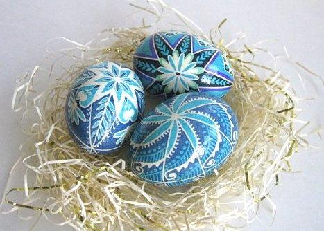Can't wait for Easter!Batik Easter, Hands Painting, Blue Pysanky, Ukrainian Easter, Ukrainian Eggs, Eggs Shells, Pysanky Chicken, Easter Eggs, Chicken Eggs