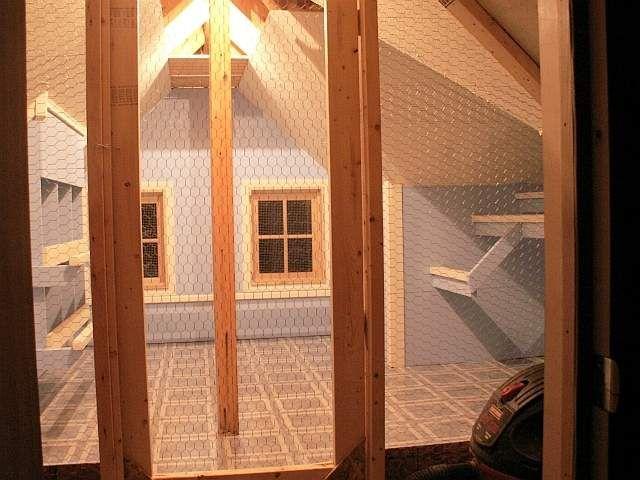 Pullet pimp 39 s layer 39 s lodge chicken coop chicken coops for Chicken coop interior designs