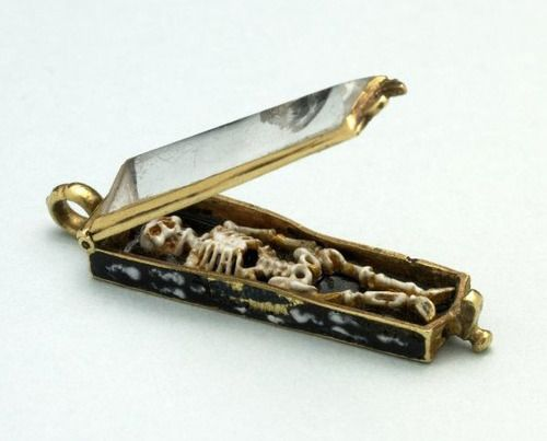Memento mori pendant, made in France in the 16th century (via).