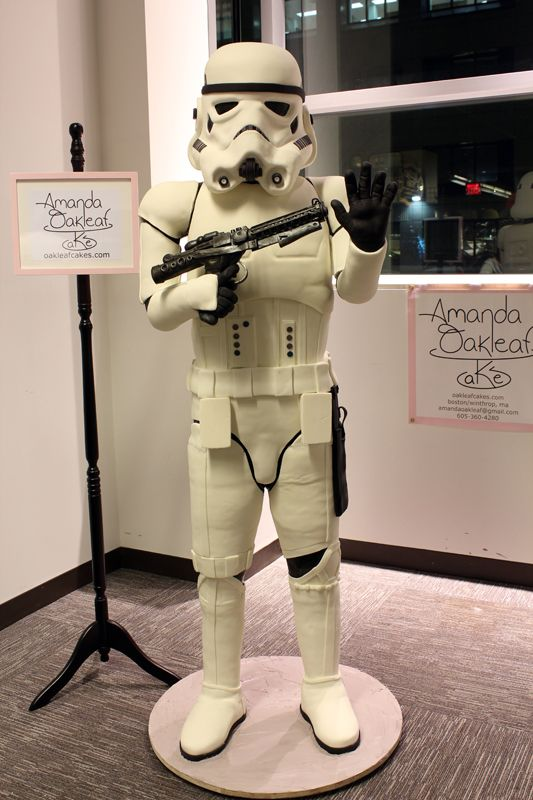This stormtrooper is really 200 pounds of cake!