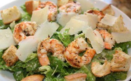 Caesar salad με γαρίδες