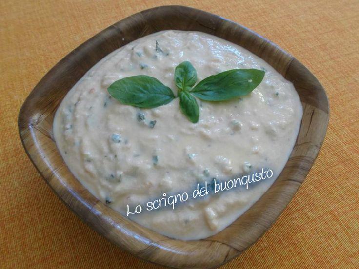PESTO ALLA SICILIANA  CLICCA QUI PER LA RICETTA http://loscrignodelbuongusto.altervista.org/pesto-alla-siciliana/                                                          #pesto #sicilia #salse #condimenti #ricetteregionali #ricetteitaliane #foodbloggers