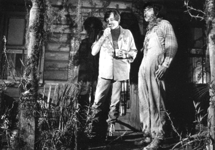 Director George Romero and Stephen King take a break on one of the sets for Creepshow. [1982] : Moviesinthemaking
