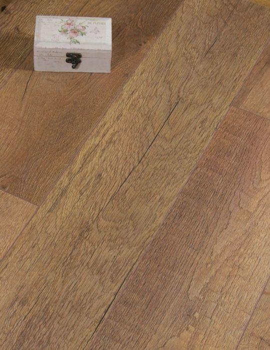 Rustic Brown Laminate House In 2019 Oak Laminate Flooring Wood Laminate Flooring Wood Laminate