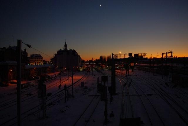 La gare de Valenciennes la nuit.