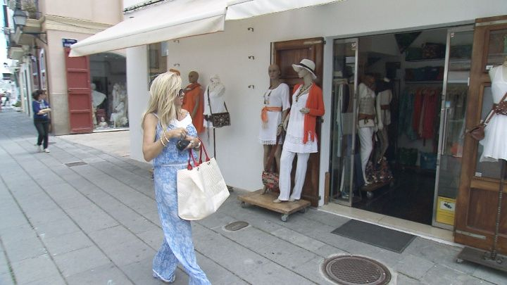 Die Geissens: Shoppingtour auf Ibiza am 12. Mai 2014 - HYYPERLIC
