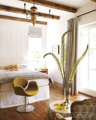 relaxing bedroomBedrooms Colors Elle Decor, Guest Bedrooms, Chairs, Home Decor, Master Bedrooms, Colors Schemes, Elledecor, Wood Beams, Patricks Printies