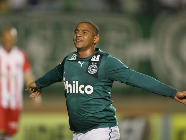 FC Porto Noticias: Burger King que ajudar Walter a regressar ao Goiás...