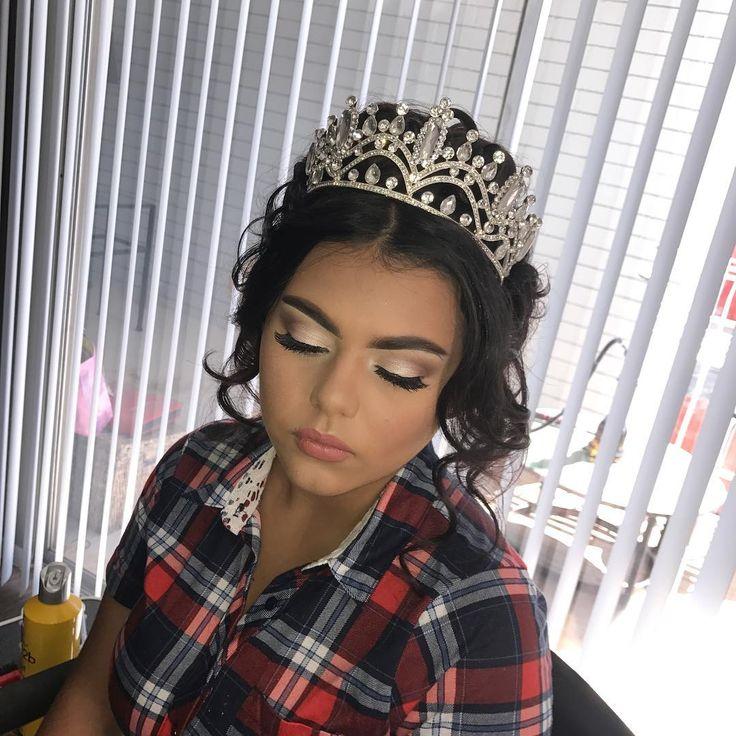 Quinceanera Hairstyles 4 unique quinceanera hairstyle 20 Absolutely Stunning Quinceanera Hairstyles With Crown