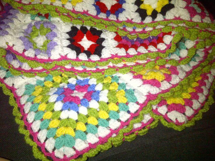 Mijn eerste zelfgemaakte deken.  Haken/crochet.