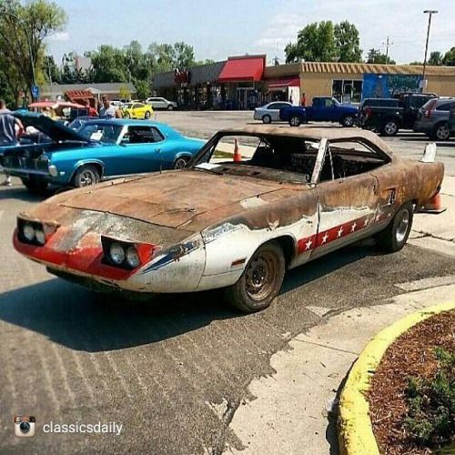repost via @instarepost20 from @classicsdaily This '70 Plymouth Superbird has definitely had better days. #Superbird #ClassicsDaily #instarepost20 http://ift.tt/1LOUkgk