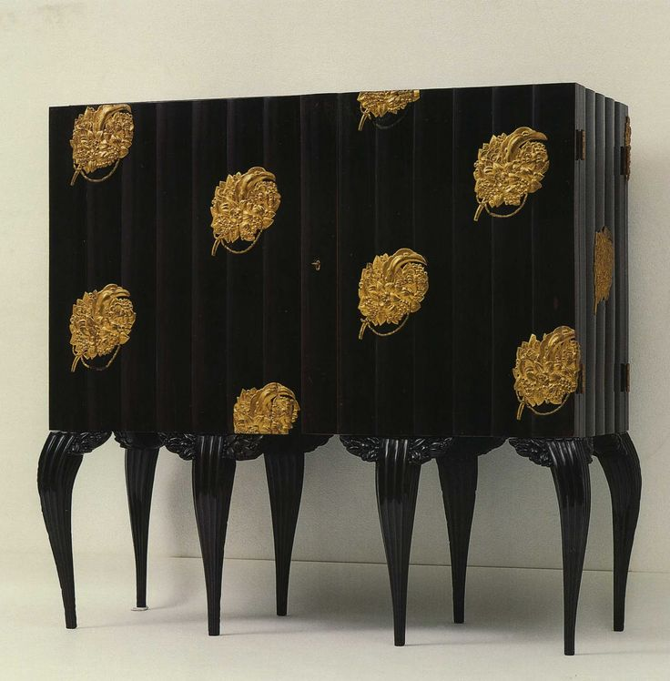 Dagobert Peche Cabinet 1919. Designed while at the Wiener Werkstätte. I believe these legs influenced the design on the legs of the Czech armchair shown in an earlier pin.