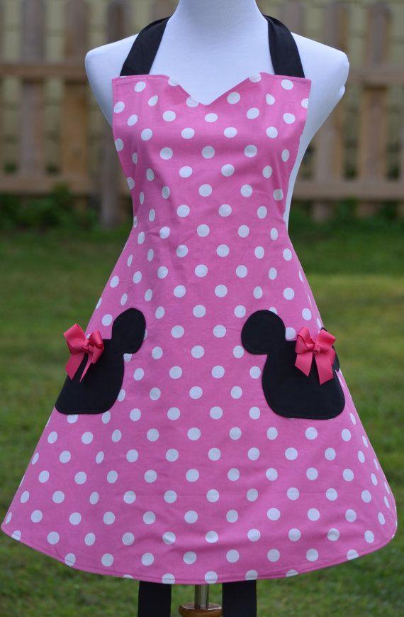 Delantal rosa Minnie Mouse inspirado por nuestro amor de Minnie