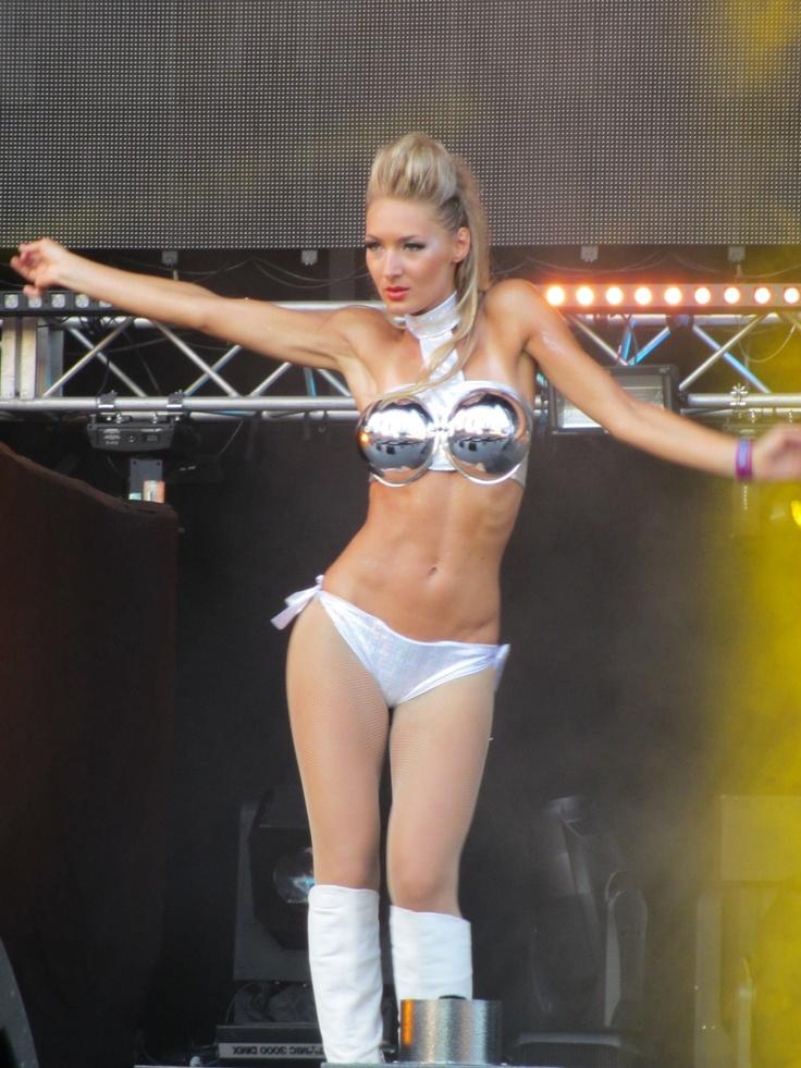 Saturday UMF - Dancer