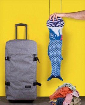 Bolsa para la ropa sucia con forma de carpa japonesa