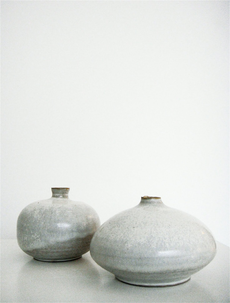 Great vases! Love the grey colour, also would add texture to a space.