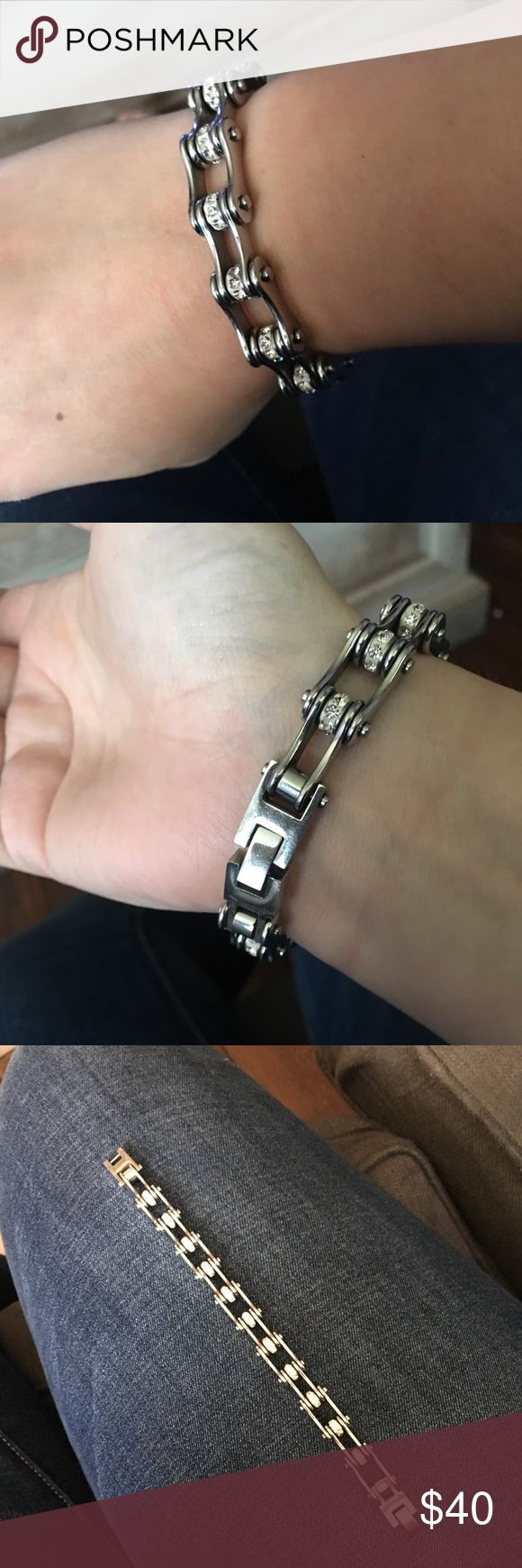 """Women's gear chain bracelet Excellent condition. The length is 7.25"""". Has rhinestones throughout bracelet. This is a super cute item! This is not """"Harley-Davidson"""" brand but was purchased at a Harley-Davidson store Harley-Davidson Jewelry Bracelets"""
