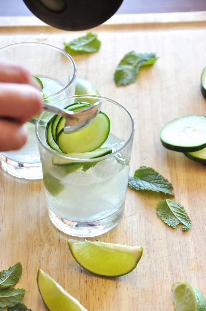 cucumber-coolers-by-minimalist-baker 1.5 oz gin (or 3 Tbsp) 4-6 cucumber slices 1/4 lime, sliced 4 oz tonic water 6 mint leaves Add mint, lime, gin, sugar (if using) to shaker and muddle. Add cucumber slices to shaker and shake vigorously. Pour mixture over glass filled with ice and top with tonic water. Stir, let set for a few minutes for the flavors to enhance