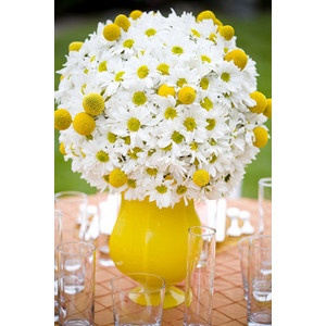 Daisy pompom arrangement for reception tables