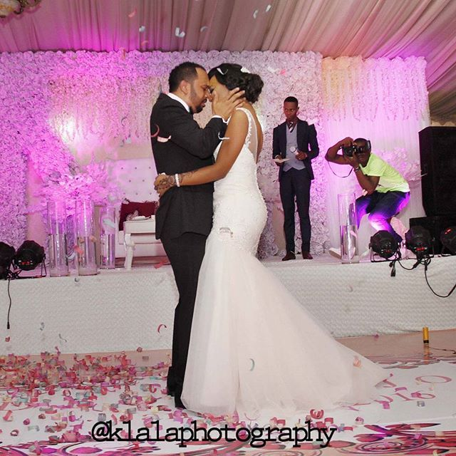 Nigerian Groom Cries At His Wedding (photos) - Romance - Nigeria