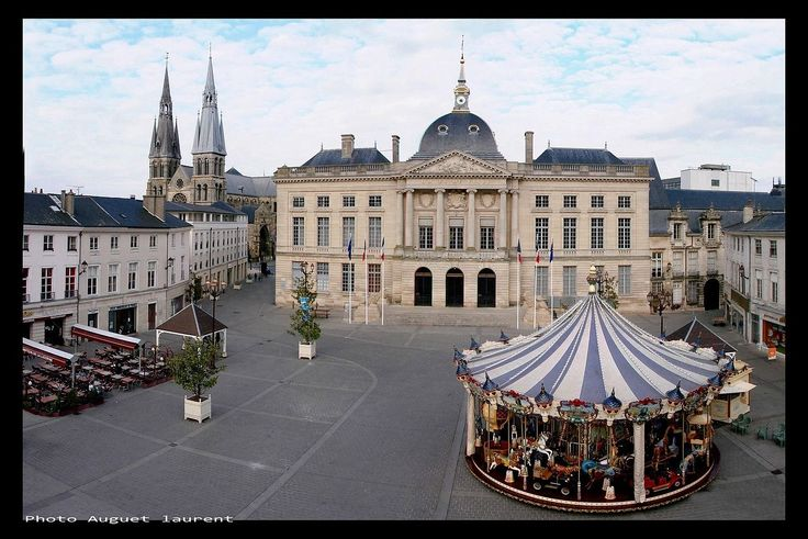 Hotel de ville, Mairie Chalons en Champagne photo Auguet laurent - Châlons-en-Champagne — Wikipédia