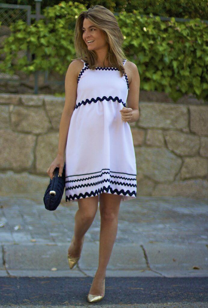 Fashion and Style Blog / Blog de Moda . Post: Starting the new season... I'm back! / Comenzando la nueva temporada... ya estoy de vuelta !  ( Pedidos / Orders : info@ohmylooks.com )  .More pictures on/ Más fotos en : http://www.ohmylooks.com/?p=28320 .Llevo/I wear: Dress / Falda  : Oh My Looks ; Bag / Bolso : Uterqüe ; Shoes / Zapatos : Pilar Burgos