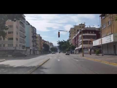UNA VUELTA POR PLAZA VENEZUELA - YouTube