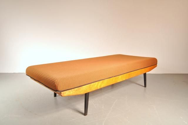 £550 Vintage Birch Daybed for sale at Pamono
