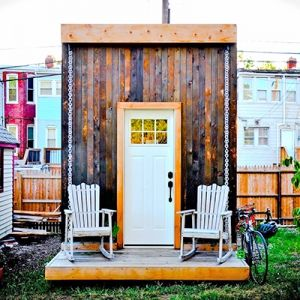 電気・水道を自分でまかなえる、完全オフグリッドのタイニーハウス「The Matchbox 」   未来住まい方会議 by YADOKARI   ミニマルライフ/多拠点居住/スモールハウス/モバイルハウスから「これからの豊かさ」を考え実践する為のメディア。
