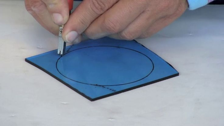 Cut perfect glass circles with just a cutter and grozer pliers. Stained glass expert takes you through each stage, with video and photos