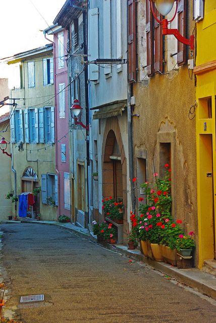 Zomaar een straatje in de Ariege, Midi-Pyrenees, Is t niet geweldig om te zien.