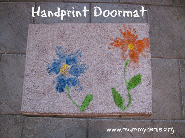 Doormat Mothers Day Craft For Kids to make. @Clair O'Neill O'Neill @ Mummy Deals.org #mom #mothersday #craft