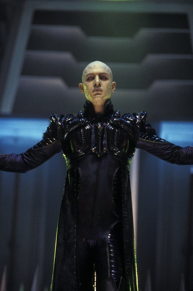 Tom Hardy - Star Trek Nemesis - Pictures, Photos & Images - IMDb