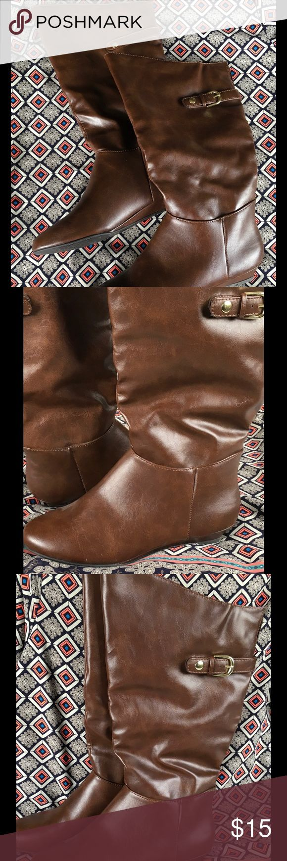 Knee High Tall Brown Women's Boots Rider 9 Lightweight brown knee high women's boots with gold buckle. Barely worn!!  We call them fancy riders 🤘 Shoes