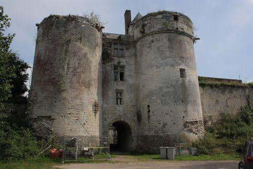 chateau de tancarville   Château de Tancarville: porte d'entrée (15e siècle)